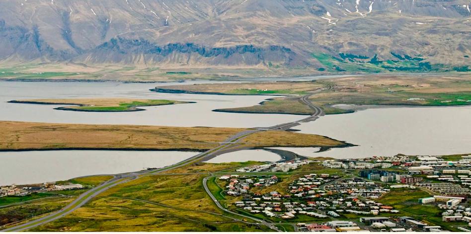 Sundabraut á landfyllingum yfir Leiruvog – Stöldrum við